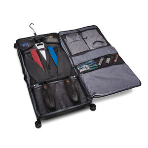 Silhouette 16 Duet Spinner Garment Bag in the color Obsidian Black.