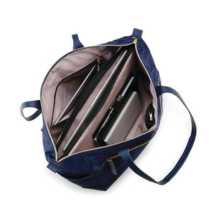Mobile Solution Deluxe Carryall in the color Navy Blue.